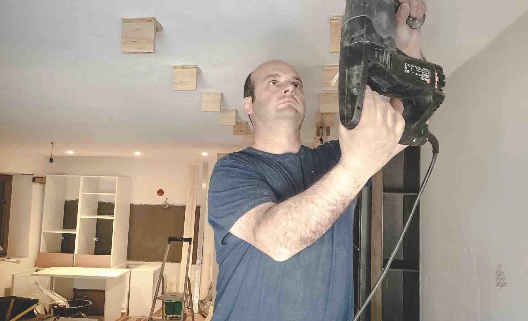 posa soffitto in legno